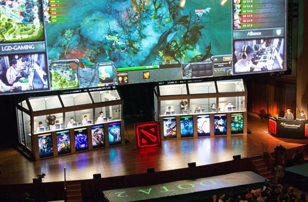 A world of video gaming: what you need to know about eSports 2
