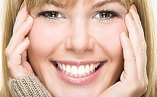 6 Ways to Whiten Your Teeth Naturally article cover